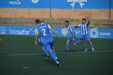 L'encert cara a gol dona els tres punts davant el Racing de Rafelcofer en la tornada al Guillermo Olagüe (2-0)